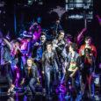 La punk opera dei Green Day al Teatro della Luna dal 2 novembre GREEN DAY'S AMERICAN IDIOT musica originale GREEN DAY liriche BILLIE JOE ARMSTRONG libretto BILLIE JOE ARMSTRONG e […]