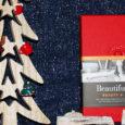 Natale 2017- La festa più magica dell'anno è alle porte: il Natale. E il pensiero vola subito ai regali, quelli da fare ai propri cari. La solita sciarpa? Un caldo […]
